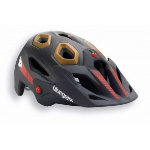 Bluegrass 2015 GoldenEyes kask