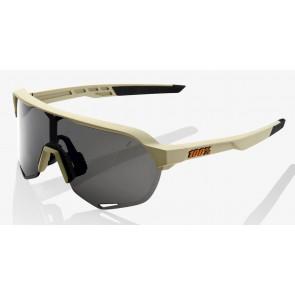 Okulary 100% S2 Soft Tact Quicksand - Smoke Lens (Szkło Smoke, przepuszczalność światła 12% + Szkła Przeźroczyste, przepuszczalność światła 93%)